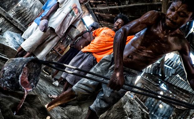 Alunimum Pot Makers in Cite Soleil