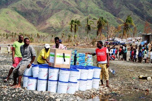 haiti-relief-distribution-medair
